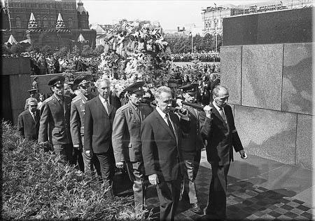 Кремлевские похороны 1.jpg