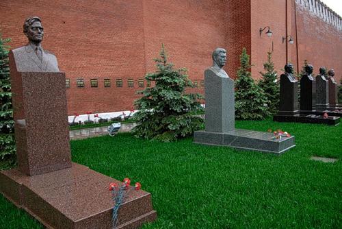 Кремлевские похороны 2.jpeg